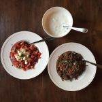 Samen Bourgondisch: Tzatziki, gekruid gehakt, salade