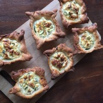 Mini quiches met kip en courgette