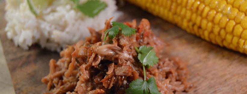 Pulled pork met kokosrijs en mais