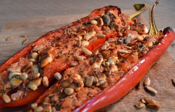 Bijgerecht: Paprika gevuld kruidenroomkaas