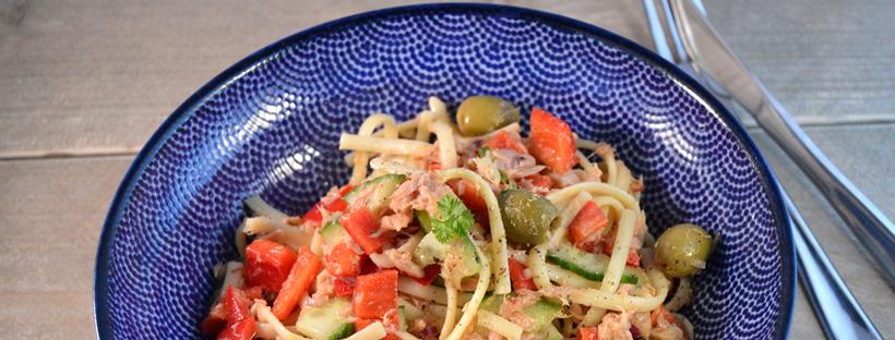 lunchsalade met pasta & tonijn