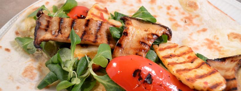 Vegetarische wraps met halloumi en paprika