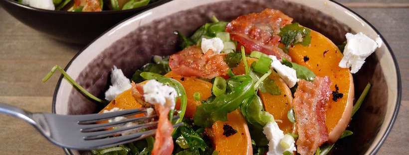 Salade met pompoen, geitenkaas en truffelhoning