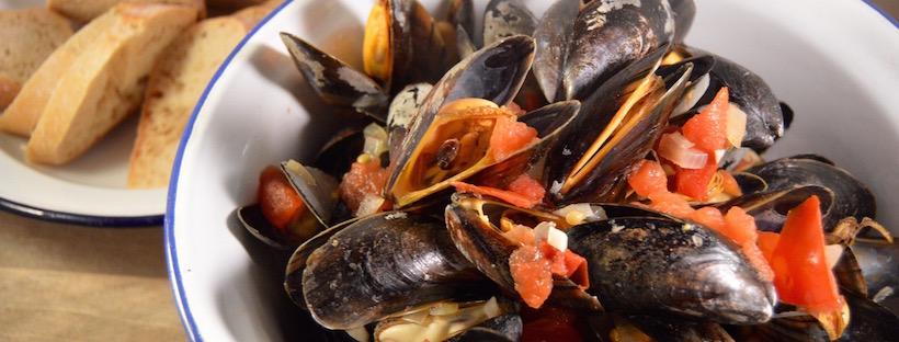 Mossel recepten | mosselen met tomaat & witte wijn