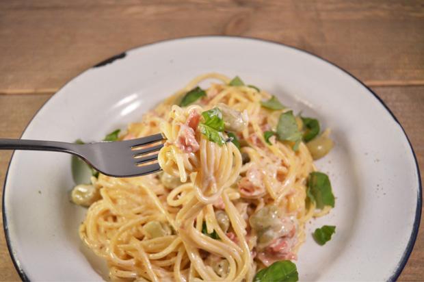 snelle pasta recepten - spaghetti met tuinbonen en pancetta