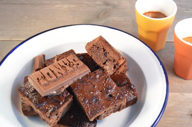Makkelijke brownie met nutella en tony chocolonely