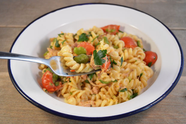 Romige pasta met tonijn en tuinbonen
