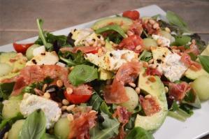 Salade met gebakken ricotta, meloen en pancetta